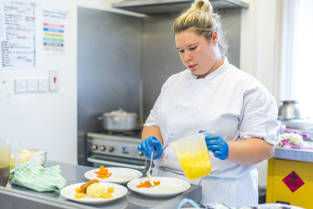 Avon Lee Lodge Christchurch Dorset Chef